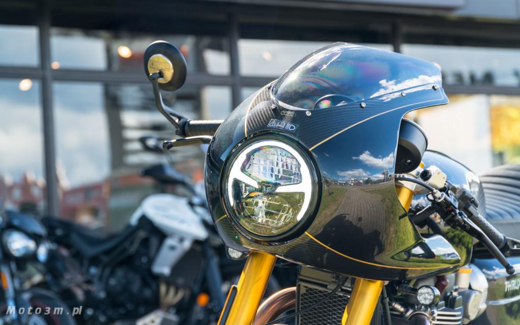 Jeden z 750 motocykli Triumph Thruxton TFC sprzedany w Gdańsku-03501