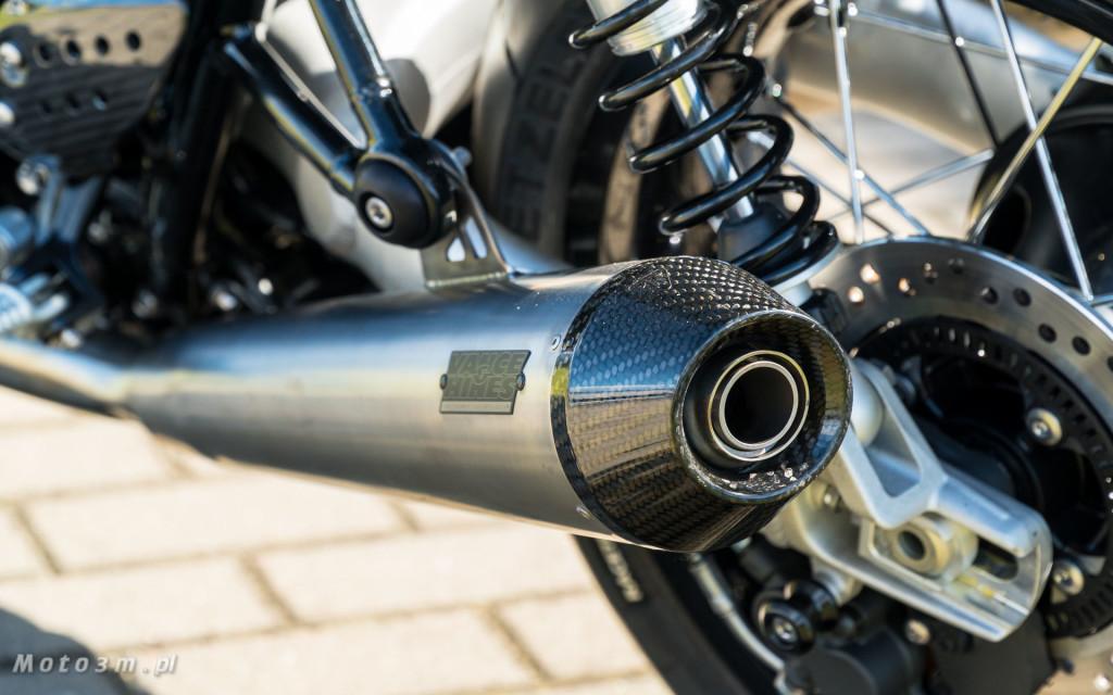 Jeden z 750 motocykli Triumph Thruxton TFC sprzedany w Gdańsku-03504