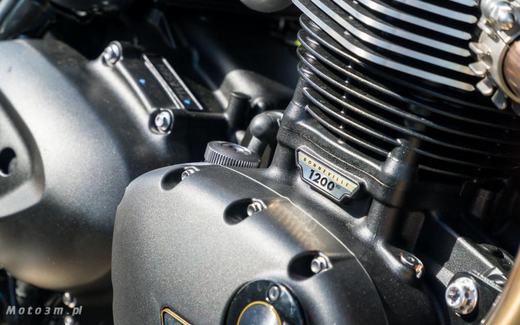 Jeden z 750 motocykli Triumph Thruxton TFC sprzedany w Gdańsku-03508