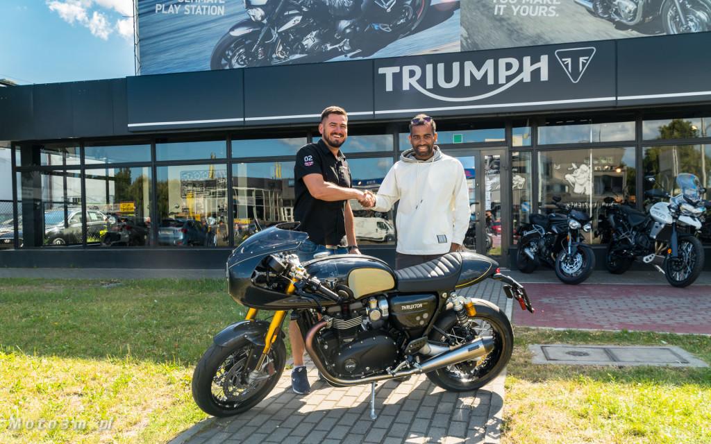 Jeden z 750 motocykli Triumph Thruxton TFC sprzedany w Gdańsku-03514