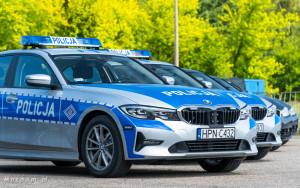 Policyjne radiowozy BMW - oznakowane i nieoznakowane. Policja, garnizon pomorski-04231