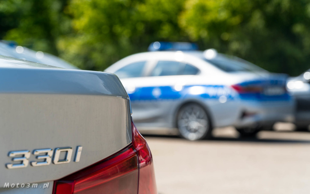 Policyjne radiowozy BMW - oznakowane i nieoznakowane. Policja, garnizon pomorski-04264