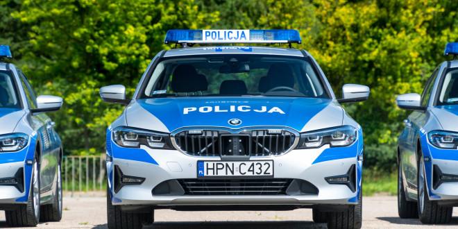 Policyjne radiowozy BMW - oznakowane i nieoznakowane. Policja, garnizon pomorski-04274