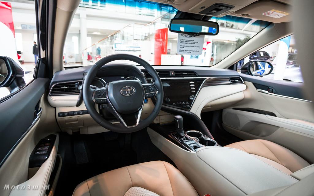Toyota Camry w salonie Toyota Walder w Chwaszczynie-03912